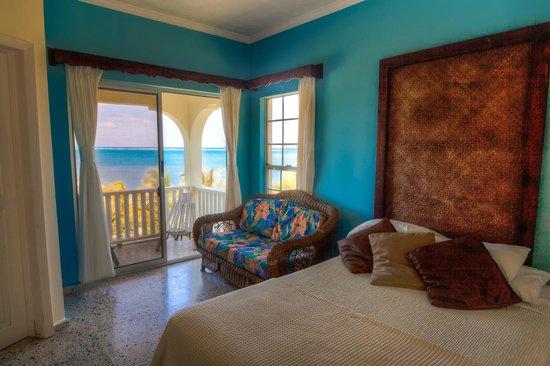 Turquoise Bay Dive & Beach Resort : Ocean view room