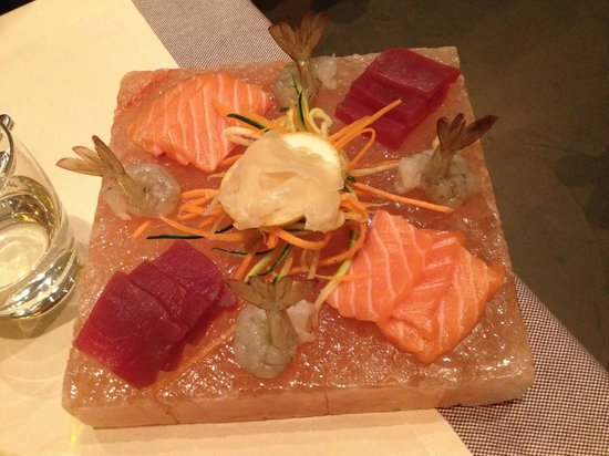 Dunque Milano : Sushi su Pietra di Sale Rosa dell'Himalya