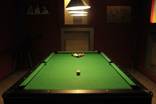 Willa Zlocien: Billiards