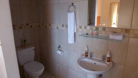 Sunrock Guesthouse: Bathroom