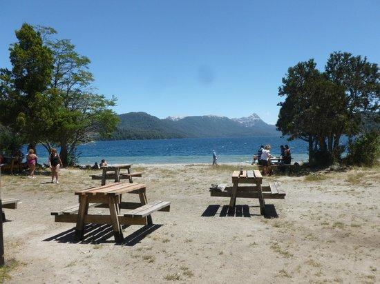 Route of the Seven Lakes : LParador del Lago Espejo, una  de las maravillas de la Ruta de los 7 lagos
