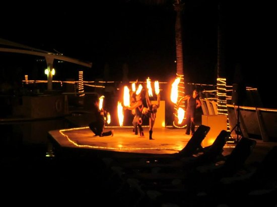 Cozumel Palace: Fire Show