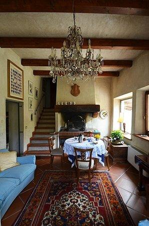 IL Torrino Bed and Breakfast : Saletta per la colazione