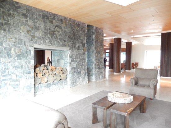 Arakur Ushuaia Resort & Spa: Sitting area in lobby