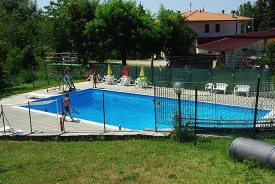 Gaggiola : vue sur la piscine
