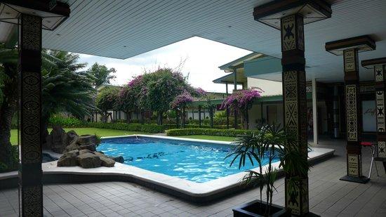 Fiji Gateway Hotel : The Second Pool