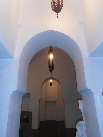 Zaouia 44: décoration lumiere chambre