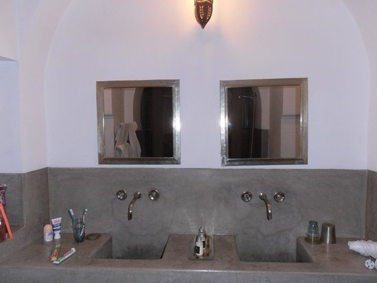 salle de bain en tadelakt photo de zaouia 44 marrakech tripadvisor. Black Bedroom Furniture Sets. Home Design Ideas