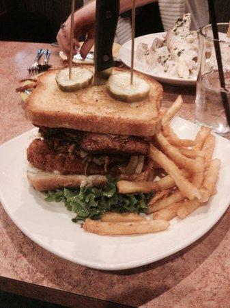 Momma Spriggs Restaurant: The Ultimate Craziest Burger!
