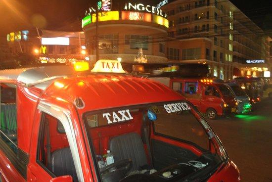Bangla Road: panoramic view by night