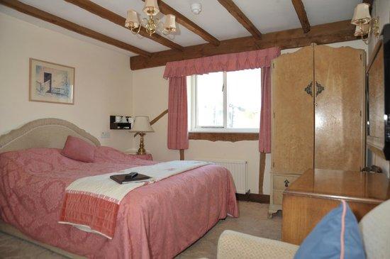 The Inglenook Hotel & Restaurant: double room