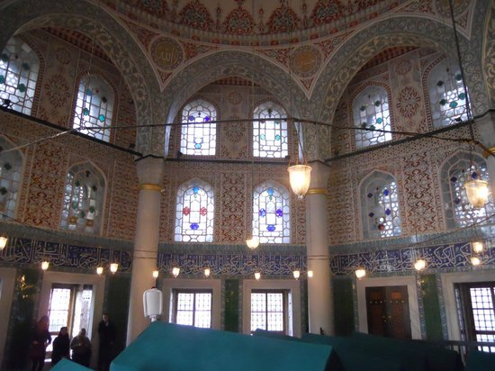 Blaue Moschee (Sultan-Ahmed-Moschee): interno dell'unica piccola moschea con ingresso gratuito