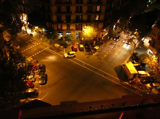 Axel Hotel Barcelona & Urban Spa: view from rooftop bar and terrace