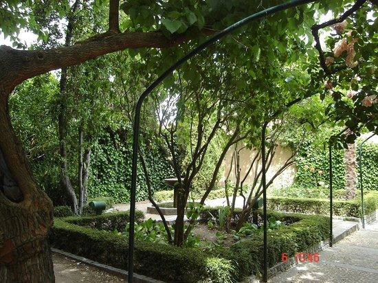 Dentro fotograf a de jard n el huerto de calixto y - Huerto y jardin ...