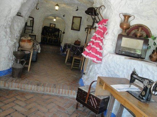Museo Cuevas del Sacromonte: HABITACIÓN