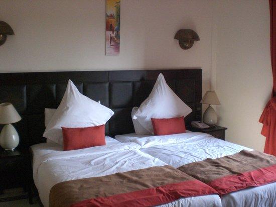 Hotel Lawrence d'Arabie : Stanza vista Piscina