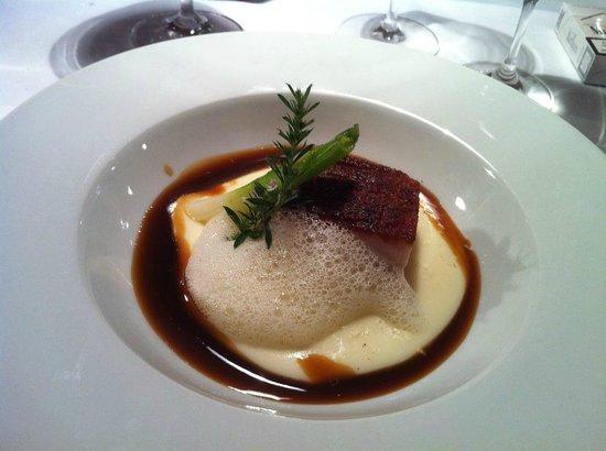 Restaurant Landgasthof Weissenbach: 48 h Schweinebauch-Nussbutterschaum-Kartoffelschaum
