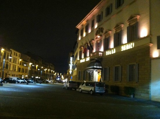 Sina Villa Medici: View of hotel facade at night
