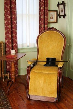 Historic Huguenot Street: In the Deyo house