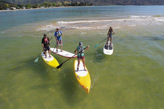 Abel Tasman Paddleboarding: Still cruising