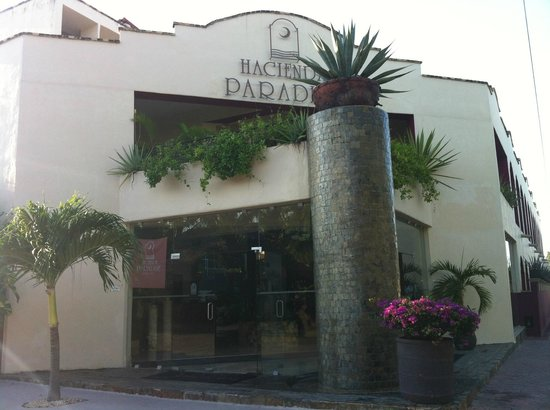 Hacienda Paradise Boutique Hotel by Xperience Hotels: Front Entrance