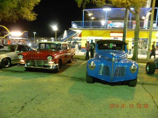 Old Town: Desfile de carros