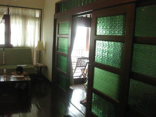 Bukit Merah Laketown Resort: Room- Kg Air
