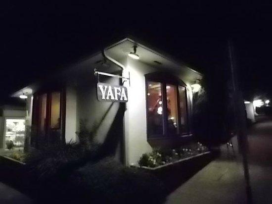 Yafa: Corner view at night