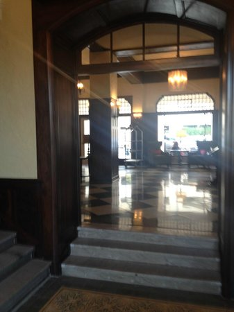 Hampton Inn & Suites Bradenton Downtown Historic District: Entryway