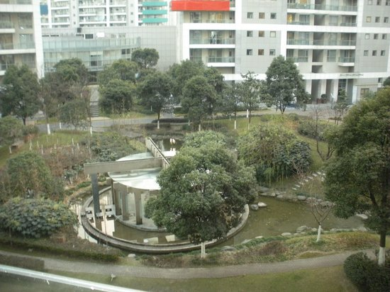 Shama Century Park Serviced Apartment: view of water fountain from our balcony (winter time)