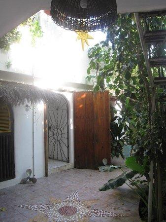 Villa Ana Maria : Courtyard
