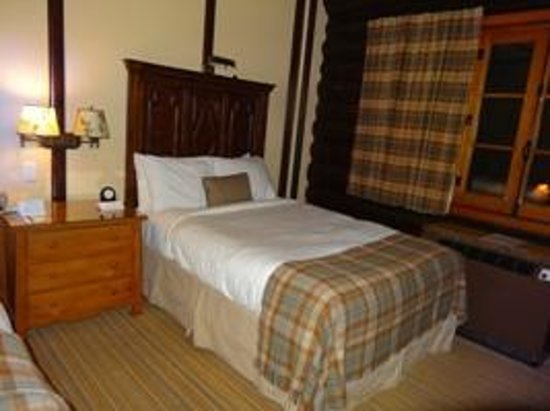 Fairmont Le Chateau Montebello : double room