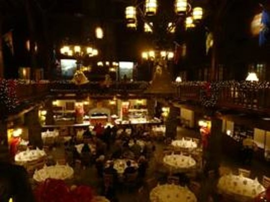 Fairmont Le Chateau Montebello : dining room