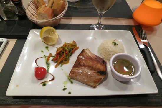 La Belle Epoque: Mahi mahi with hot sauce