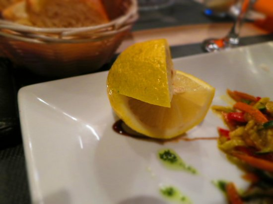 La Belle Epoque: perfect cut to squeeze lemon