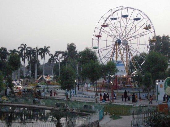 Hyderabad, باكستان: Ferris Wheel