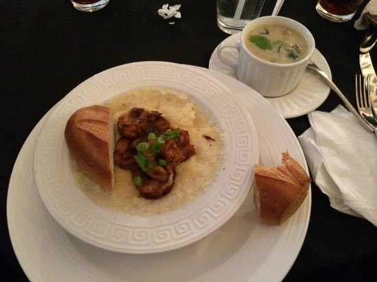 Bassa Prua: Shrimps and Grits, with the Sausage-Potato soup of the day