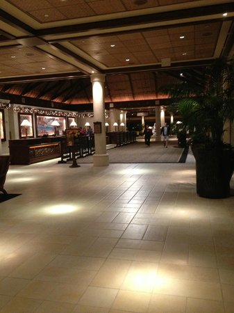 Loews Royal Pacific Resort at Universal Orlando: Lobby/Check-in Counter