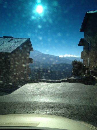 The Highlands Condominium: snowy!