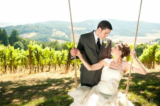 Youngberg Hill Vineyards & Inn : Where Wonderful Weddings Happen!