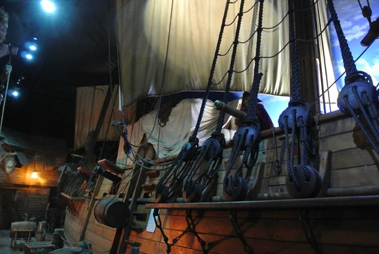 Pirates of Nassau Museum: The ship