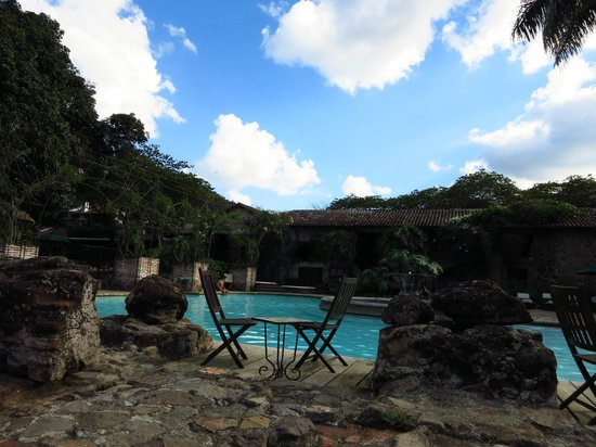 Casa Santo Domingo: Lounging by the pool!