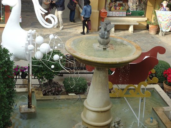Palio Khao Yai: fountain