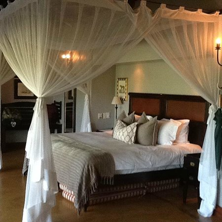 Lion Sands - Tinga Lodge: Beautiful bedroom