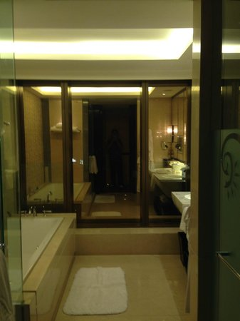 Galaxy Hotel : View of Bathroom