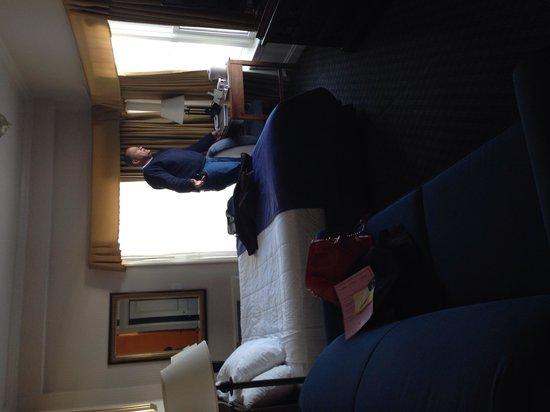 Nantasket Beach Resort: Inside oceanfront king bed corner room