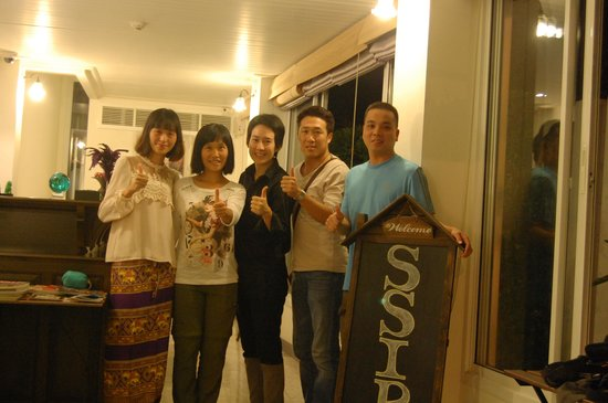 SSIP Boutique Dhevej Bangkok : a photo taken with proprietor of the hotel