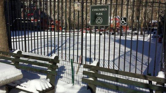 Columbus Park: 大雪过后