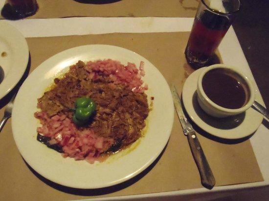 Kinich  El Sabor de Izamal: Main course: Conchinita pibil