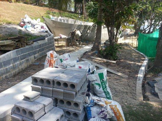 Ban Raya Resort & Spa : Things under contruction